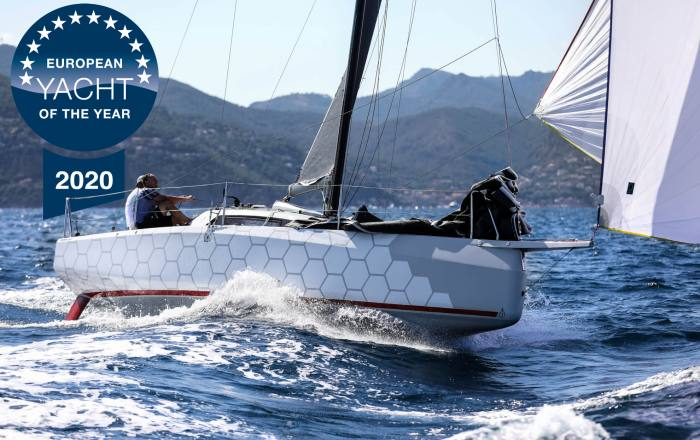 Dehler 30 One Design wins major award!