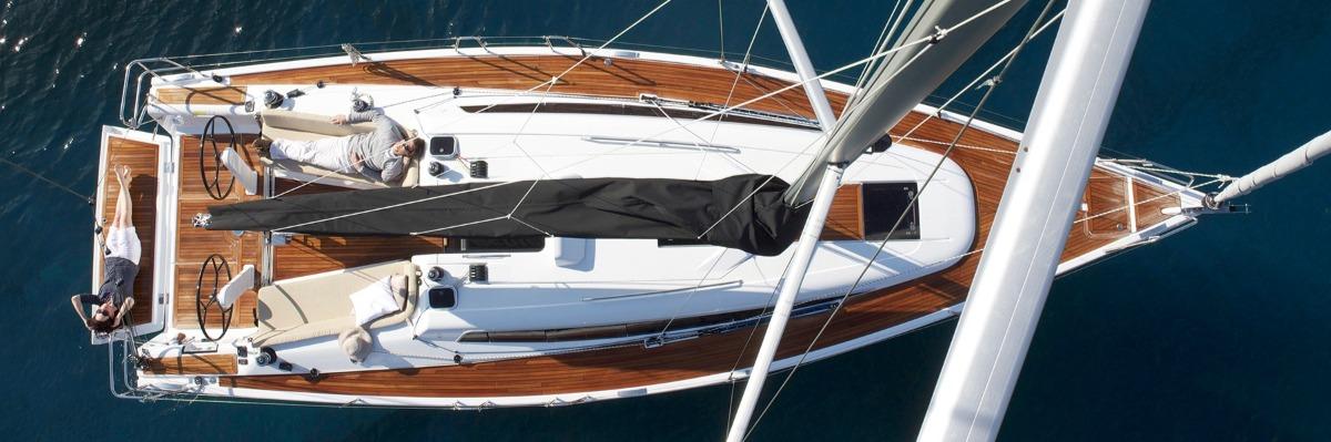 Hanse 418 at Anchor